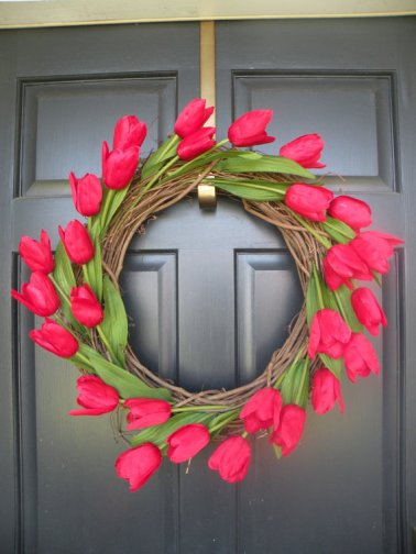 https://www.etsy.com/listing/94460533/red-tulip-spring-and-summer-wreath