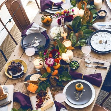 http://apartment34.com/2013/11/how-to-set-the-ultimate-holiday-table/?utm_source=feedburner&utm_medium=feed&utm_campaign=Feed:+Apartment34+%28apartment+%2334%29