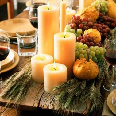 http://fabyoubliss.com/2012/11/08/inspirational-holiday-table-setting-centerpiece-ideas/