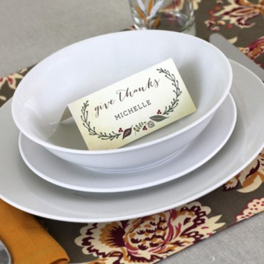 http://www.eleganceandenchantment.com/free-printable-thanksgiving-place-cards/