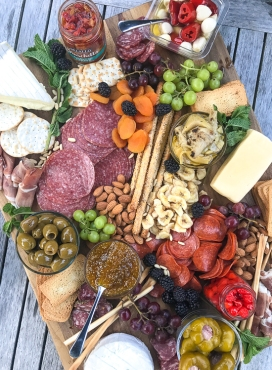 how-to-make-an-epic-charcuterie-board-1-2